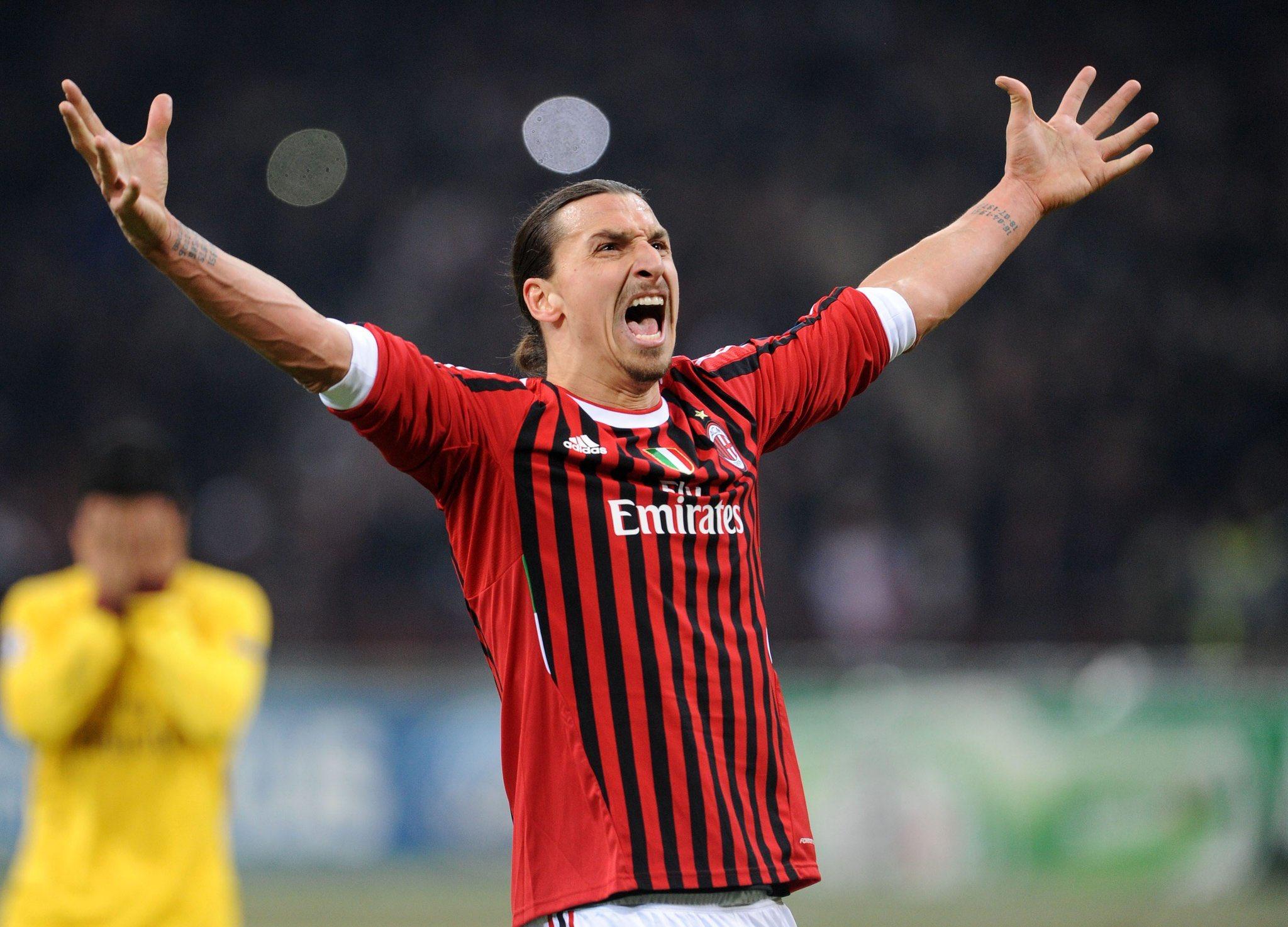 """Zlatan retorna a la """"ciudad que ama"""" para volver a defender los colores rosseneri."""