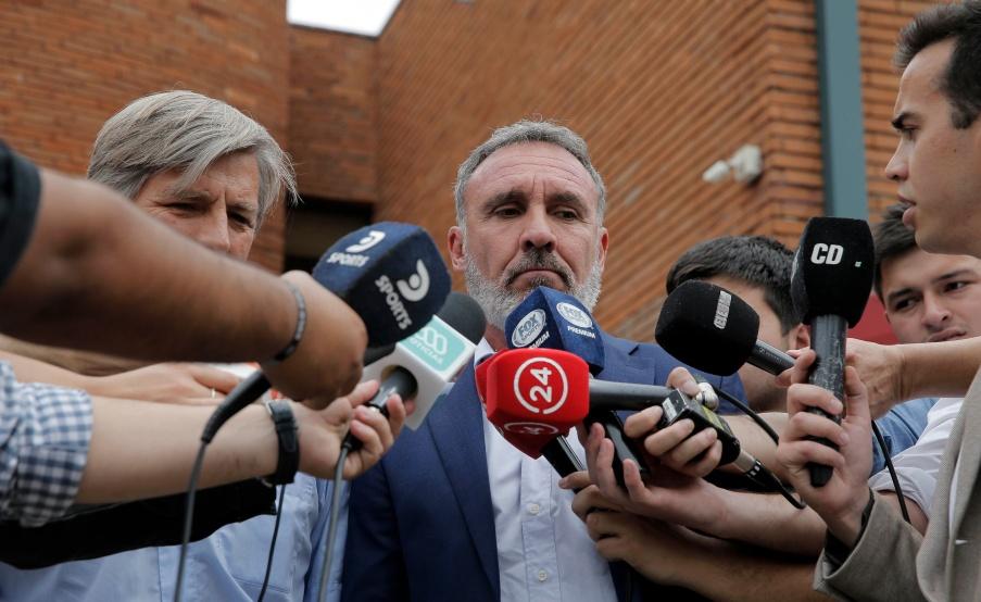 El gerente deportivo de los albos habló y asumió la responsabilidad, dentro de lo que le compete, de la crisis del club.